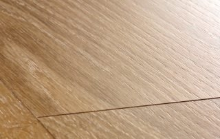Suelo laminado Quickstep Classic Roble natural barnizado CLM1292